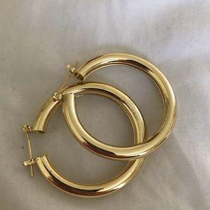 Large/ medium gold hoops